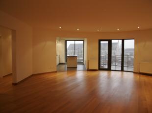 Appartement van +/-180m², gelegen op 8ste verdieping van Residentie Scaldis met breed uitzicht over de stad en vanop het terras ook op de Schelde