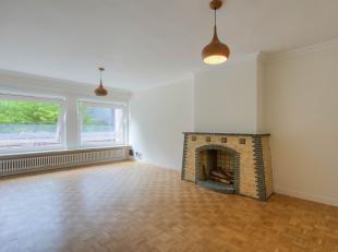 Afspraak enkel mogelijk via Jan@huysewinkel.be of bel +32 472 97 45 69. Dit gerenoveerde appartement is gelegen op een toplocatie nabij het begijnhof