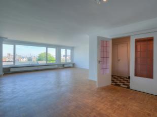Wenst u een afspraak? Contacteer Jan op het nummer 0472/97.45.69 of via mail: jan@huysewinkel.be. <br /> <br /> Dit lichtrijke appartement werd volled