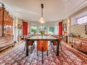 Deze unieke villa werd gebouwd in 1932 en heeft dan ook de typische interbellum architecturale vorm.  Deze typische bouwstijl in combinatie met de geb