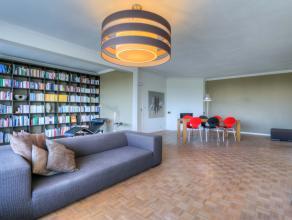 Dit prachtig appartement met bewoonbare oppervlakte van 135 m² met ruim zuid-west terras is gelegen nabij de Leie en de groene long van Gent. Het