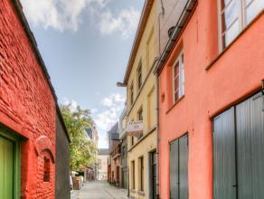 Deze charmante woning met bewoonbaar oppervlakte van 136 m²  is gelegen tussen de Veldstraat en de Predikherenlei rechtover het Pakhuis. Mits de