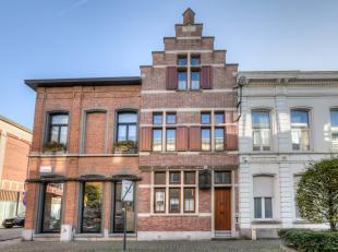 Deze mooie en uiterst centraal gelegen herenwoning met prachtige gevel is gelegen nabij het centrum van Sint-Niklaas, dit op wandelafstand van de Grot