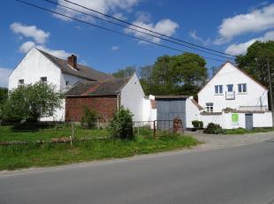 Vieusart - LLN (1325 Corroy Le Grand) Ancienne ferme Relais en parfait état érigé dès 1784 sous forme d'une très be