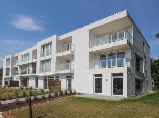 Dit tweeslaapkamer appartement is gelegen op de tweede verdieping van de nieuwbouwresidentie Camelia langs de Hundelgemsesteenweg in Gentbrugge, op ee