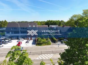 Deze ruime gezinswoning situeert zich op een perceel van 521 m² langs de vaart in Mariakerke. De ligging is bijzonderlijk aantrekkelijk, zowel me