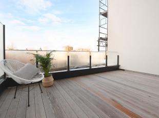 Dit volledig gerenoveerdappartement is gelegen vlakbij de Coupure en biedt een groene verbinding naar het culturele hart van de stad met groot aanbod