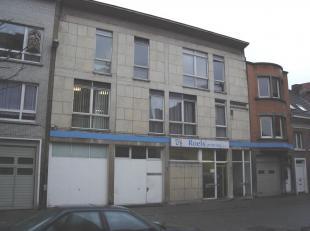kelder : ca. 300 m² gelijkvloers : ca. 700 m² Gevraagde verkoopprijs : 400.000,00 euro