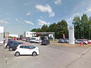 Het betreft een bedrijfsgebouw, voormalige Citroën garage, bestaande uit showroom, burelen, magazijn en conciërgewoning. Bouwjaar 1990 maar