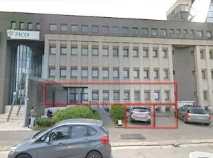 Het betreft een gelijkvloerse kantoorruimte, gelegen vlakbij de Bisschoppenhoflaan en op enkele minuten van de op- en afritten.