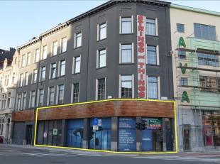 Het betreft een pand gelegen naast AVA Papierwaren op het Zuid in Antwerpen.<br /> De Amerikalei ligt op een boogscheut.  Het pand is gemakkelijk bere