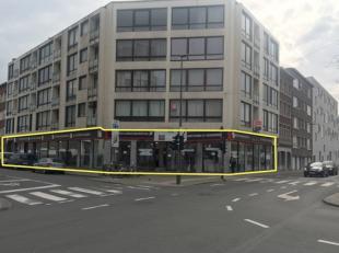 Het betreft een hoekwinkelpand dat verkocht wordt als opbrengsteigendom, gelegen aan de as Boomsesteenweg – VII Olympiadelaan in zuid Antwerpen.  Het