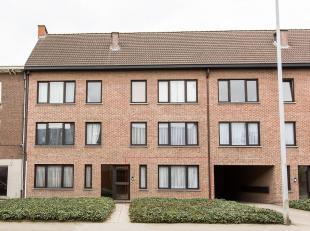 Gelijkvloers appartement met garage in de buurt van centrum Mol.<br /> Het appartement bestaat uit een woonkamer met open keuken en berging.<br /> Er