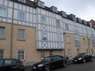 Mooi appartement met twee slaapkamers en garagein een gebouw met lift.<br /> Het appartement bestaat uit een ruime living met open geïnstalleerde
