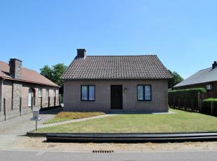 Instapklare, grotendeels vernieuwde woning met 2 slaapkamers op een perceel van 1532m².<br /> Ligging:rustig gelegen in Oosterlo, +- 7km van het
