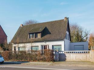 Charmante praktijkwoning met 6 slaapkamers op een perceel van 2.503m² in het centrum van Ravels.<br /> Deze karaktervolle woning geniet van een o