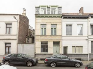 Authentieke en recent gerenoveerdestadswoning op toplocatie<br /> Ligging:Even uitblazen in het groene Hof Van Leysen of genieten op een terrasje van