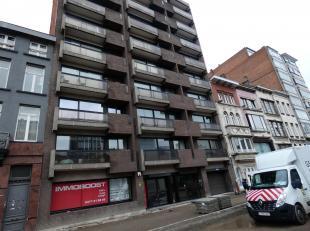 Appartement met 2 slaapkamers gelegen in het centrum van Antwerpen.<br /> Ligging: In het centrum van Antwerpen op de leien, nabij winkels, scholen en