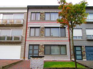 Mooi instapklaar en energiezuinig 2-slaapkamer appartement gelegen in een rustige buurt rond Merksem. Ligging: centraal nabij het centrum vanMerksemme