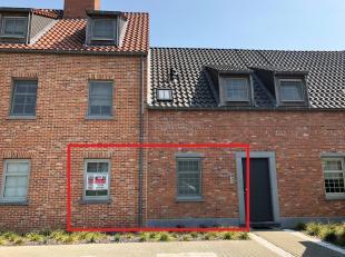 Gelijkvloers appartement met leuke tuin + garage & berging<br /> Ligging:Gunstig gelegen nabij het centrum, op 50m van het openbaar vervoer, vlakb