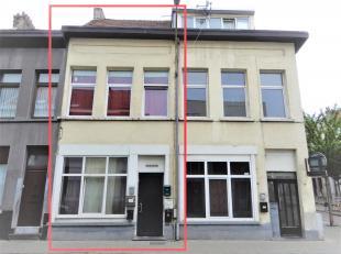 Te renoveren woonst (120m²) op toplocatie te Borgerhout met mogelijkheden! De woning is momenteel opgesplitst in 3 studio's.<br /> Ligging:Gelege