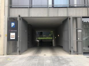 Overdekte autostaanplaats te Antwerpen!<br /> Omschrijving:Het is een ruime ondergrondse autostaanplaats in het centrum van Antwerpen op de Itali&euml