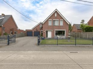 Ruime woning met magazijn op een perceel van ca. 13a.<br /> Ligging: gelegen nabij het centrum van Weelde. Vlotte verbinding naar de omliggende gemeen