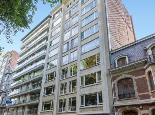 Wonen op 8ste verdieping met panoramisch uitzicht over Albert-Harmoniepark.<br /> Beschrijving : Genieten van aangenaam lichtinval in de leefruimte op