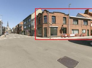 Geronveerde opbrengsteigendombestaande uit een handelspand/bureau ruimte en twee appartementen.Ligging: Zeer centraal gelegen in het centrum van Heren