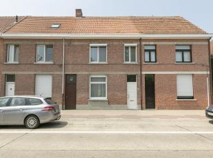 Op te frissen woning met 3 slpk en tuin<br /> Ligging: gelegen op wandelafstand van het centrum van Oud Turnhout. Vlotte verbinding naar de omliggende