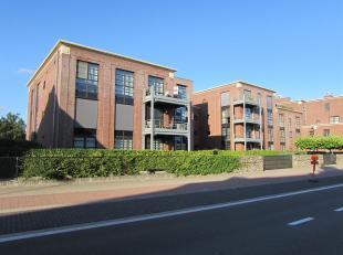 Ruim gelijkvloers 3 slaapkamer appartement met tuin en terras<br /> Locatie:<br /> Gelegen op toplocatie in het centrum van Retie.<br /> Indeling:<br