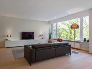 Ligging:Prachtig appartement van ca 135m² in een uitstekend onderhouden gebouw in het hart van de stad. Het Stadspark biedt een oase van rust, me