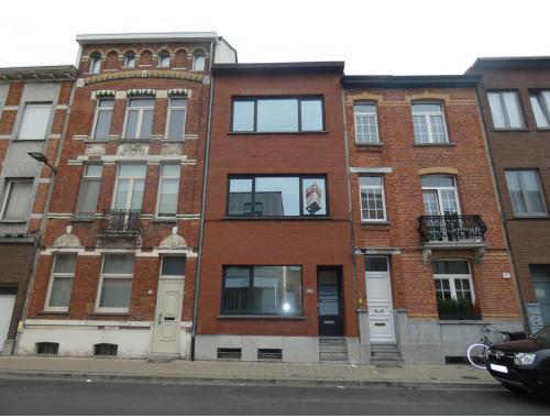 Maison à vendre à Deurne, € 259.000