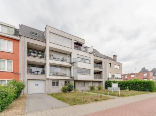 Prachtig dakappartement met groot dakterras en ondergrondse garage!<br /> Ligging:Centraal gelegen tussen Wijnegem centrum en de belangrijke invalsweg