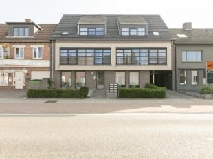 Leuk appartement op gunstige locatie met ruim terras en staanplaats.<br /> Ligging: Gelegen op de verbinding met Poppel - Tilburg.<br /> Beschrijving: