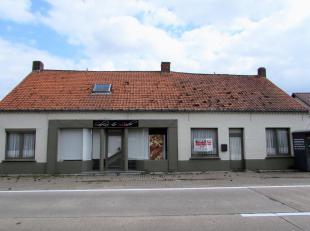 Handelshuis (bakkerij) met magazijn op een perceel van 1451m².<br /> Ligging:Op korte afstand van het centrum van Tessenderlo. Alle faciliteiten