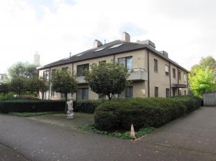 Gezellig 1 slaapkamer appartement met staanplaats<br /> Locatie:<br /> Rustig gelegen in groene omgeving nabij de ring rond Turnhout<br /> Indeling:<b