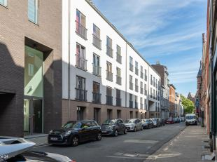Ligging: nabij centrum van Antwerpen. Dicht bij gezellige pleintjes en openbaar vervoer. De historische stadskern op 5 minuten wandelen. Winkels, caf&