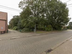 Goed gelegen bouwgrond van 20a71 te Olen.<br /> Ligging:Rustig gelegen met vlotte verbindingen naar omliggende gemeenten en de oprit van de E313. Teve