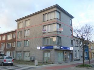 Op te frissen 3 slaapkamer appartement aan het Rivierenhof<br />  Indeling:Inkomhal,woonkamer, keuken, 3 slaapkamers, badkameren toilet<br />  Omschri
