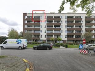 Gezellig appartement voorzien van 2 slaapkamers, een terras en ondergrondse autostaanplaats met ruime berging op toplocatie te Edegem!<br /> Ligging:G