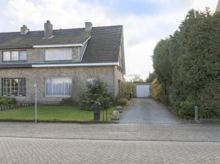 Te renoveren woning met 3 slpk en tuin op een perceel van ca. 615 m².<br /> Ligging: gelegen op enkele minuten van het centrum van Oud Turnhout.