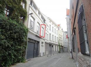 Gemeubeld 1-slaapkamerappartement nabij Vlaamse Kaai.<br /> Ligging:Het appartement is gelegen in de Stoofstraat, op wandelafstand van de Grote Markt,