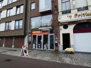 Leuk winkelpand op ideale locatie in de buurt van het Eilandje. Het is zowel zeer goed met de wagen, de fiets als met het openbaar vervoer te bereiken