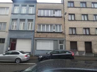 Ligging:Gelegen in het centrum van Antwerpen nabij het Sportpaleis en openbaar verboer.<br />  Indeling:Inkomhal, leefruimte, 2 slaapkamers, badkamer,