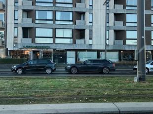 """Dit centraal gelegen appartement van 93m² met 2 slaapkamers nabij het provinciaal domein """"Rivierenhof"""" is gelegen opde 4e verdieping.<br /> Het a"""