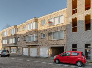Instapklaar 2 slaapkamer appartement in Deurne Zuid<br /> Indeling:Inkomhal, 2 slaapkamers, badkamer, toilet, woonkamer, keuken, berging en terras.<br