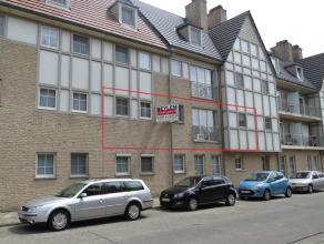 Prachtig ruim en energiezuinig appartement (108m²) met 2 slaapkamers, lift, terras. Rustig doch centraal gelegen vlakbij centrum met vlotte verbi