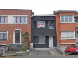 Gerenoveerde woningop een leuke locatie in Deurne zuid!<br /> Indeling: i<br /> nkomhal, 2 leefruimtes met open keuken, toilet, 3 slaapkamers, 2 badka
