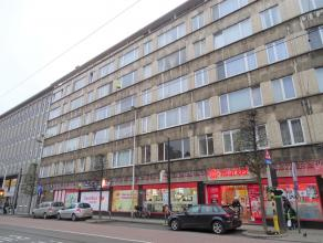 Centraal gelegen 2 slpks appartementte Borgerhout. Ligging : Centraal gelegen op de Turnhoutsebaan -nabij winkels. Dit op wandelafstand van Cultuurhui